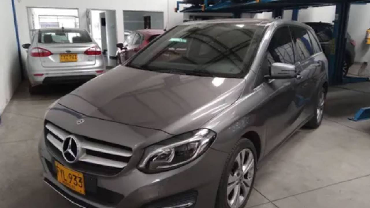 Mercedez-Benz-b180-01586791-1