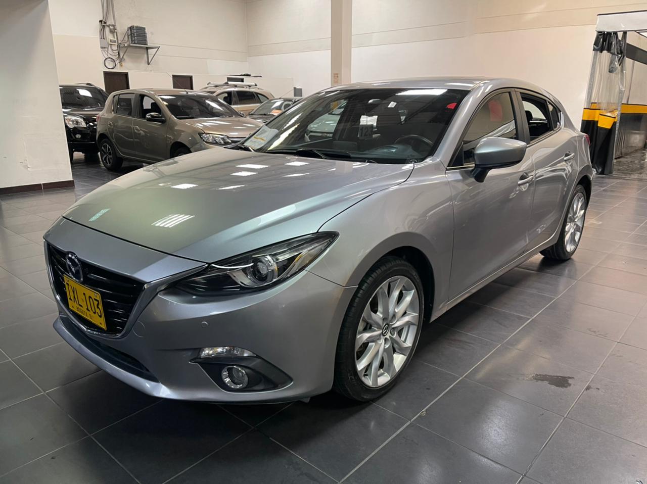 Mazda-3-Grand-Touring-01439787-1