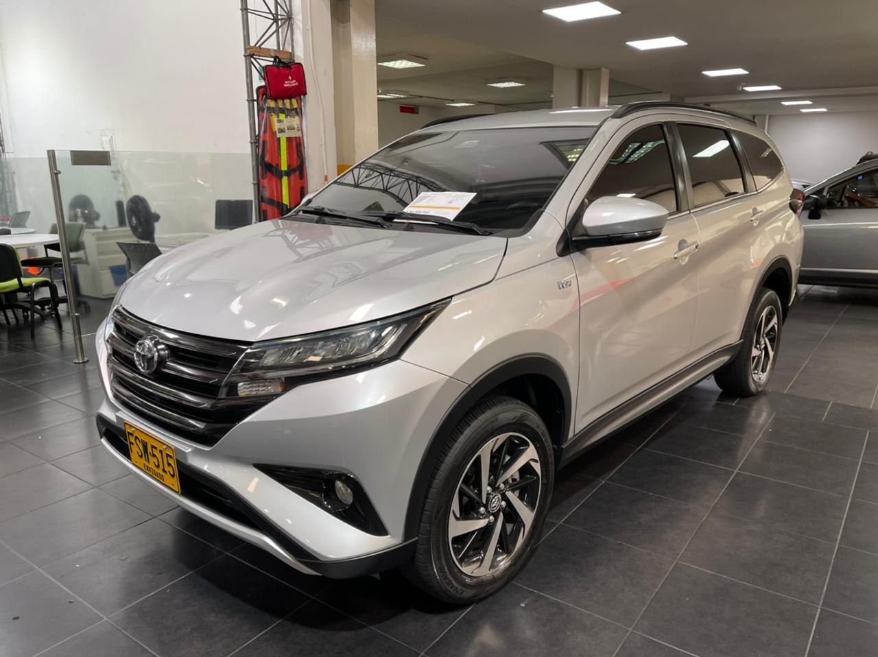 Toyota-Rush-01464779-1