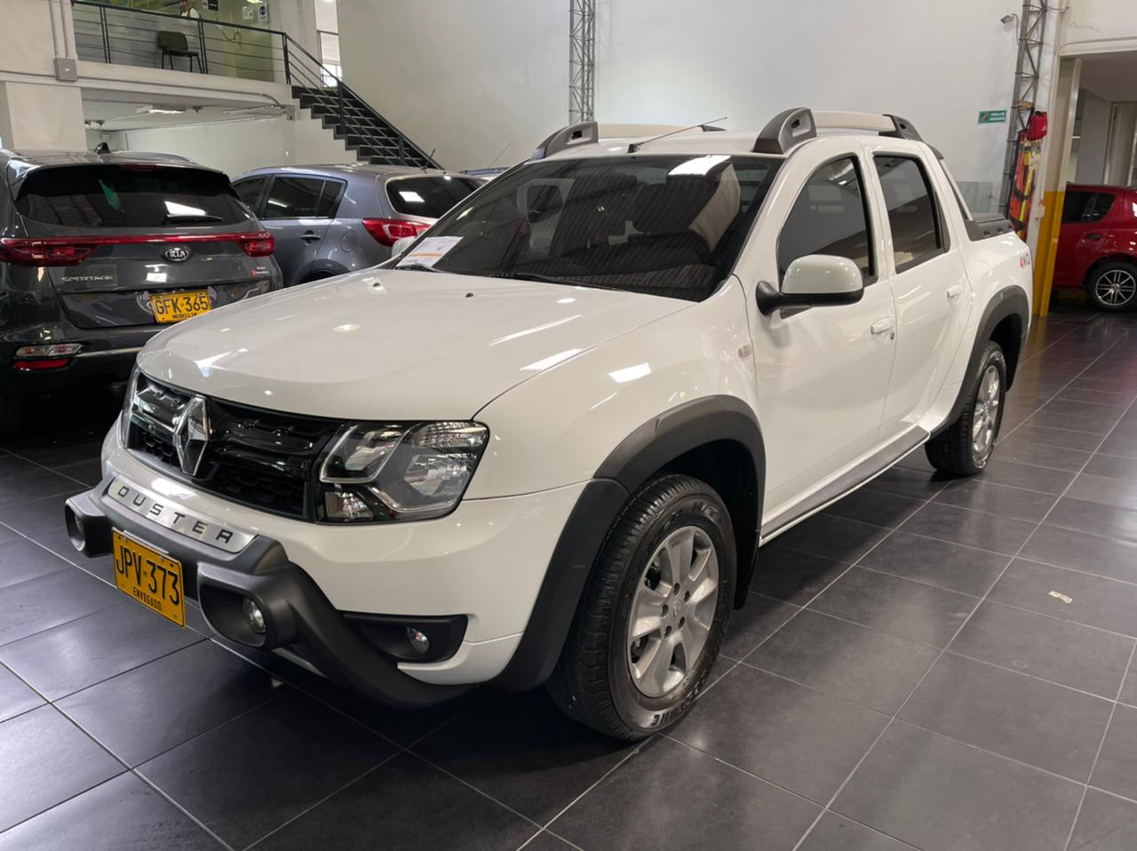 Renault-Duster-Oroch-01498725-1