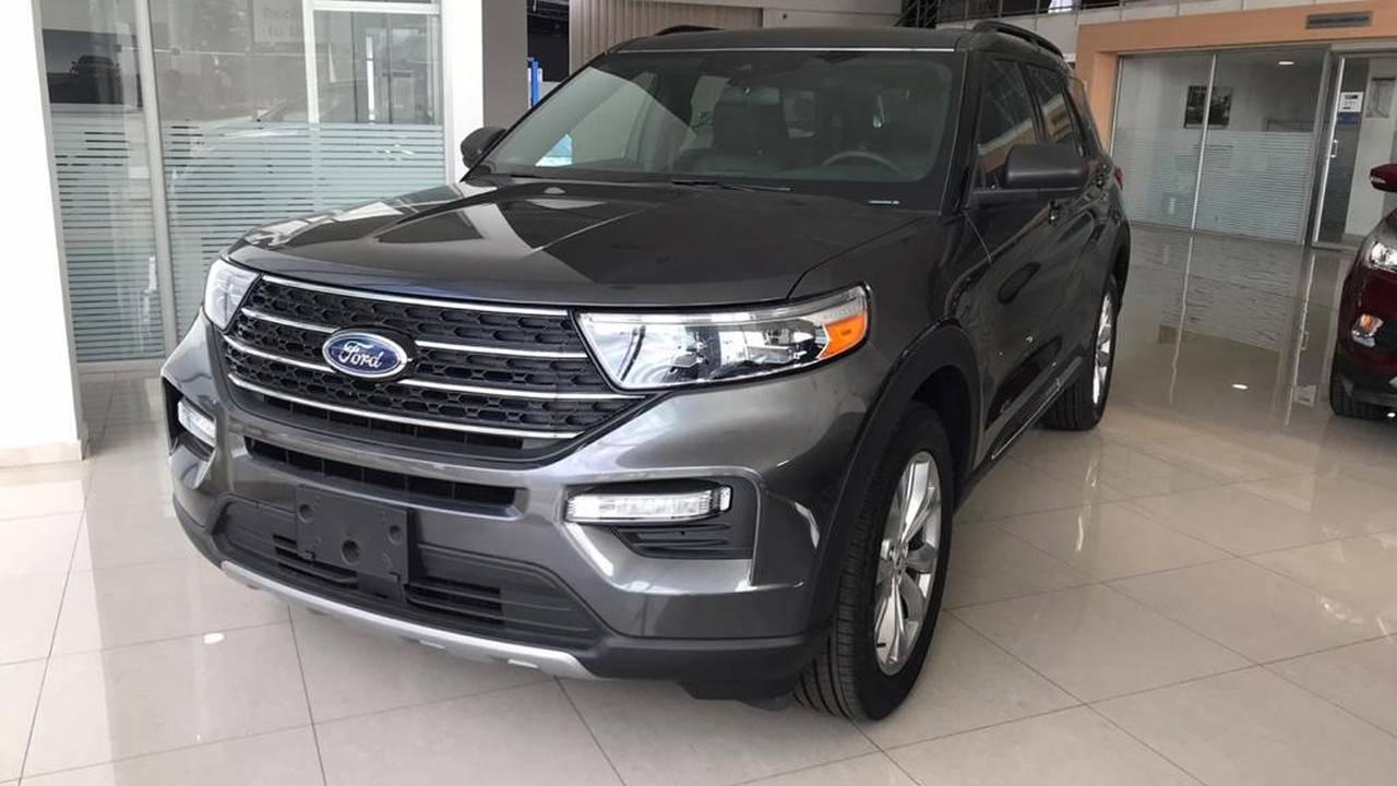 Ford-Explorer-03082164-1