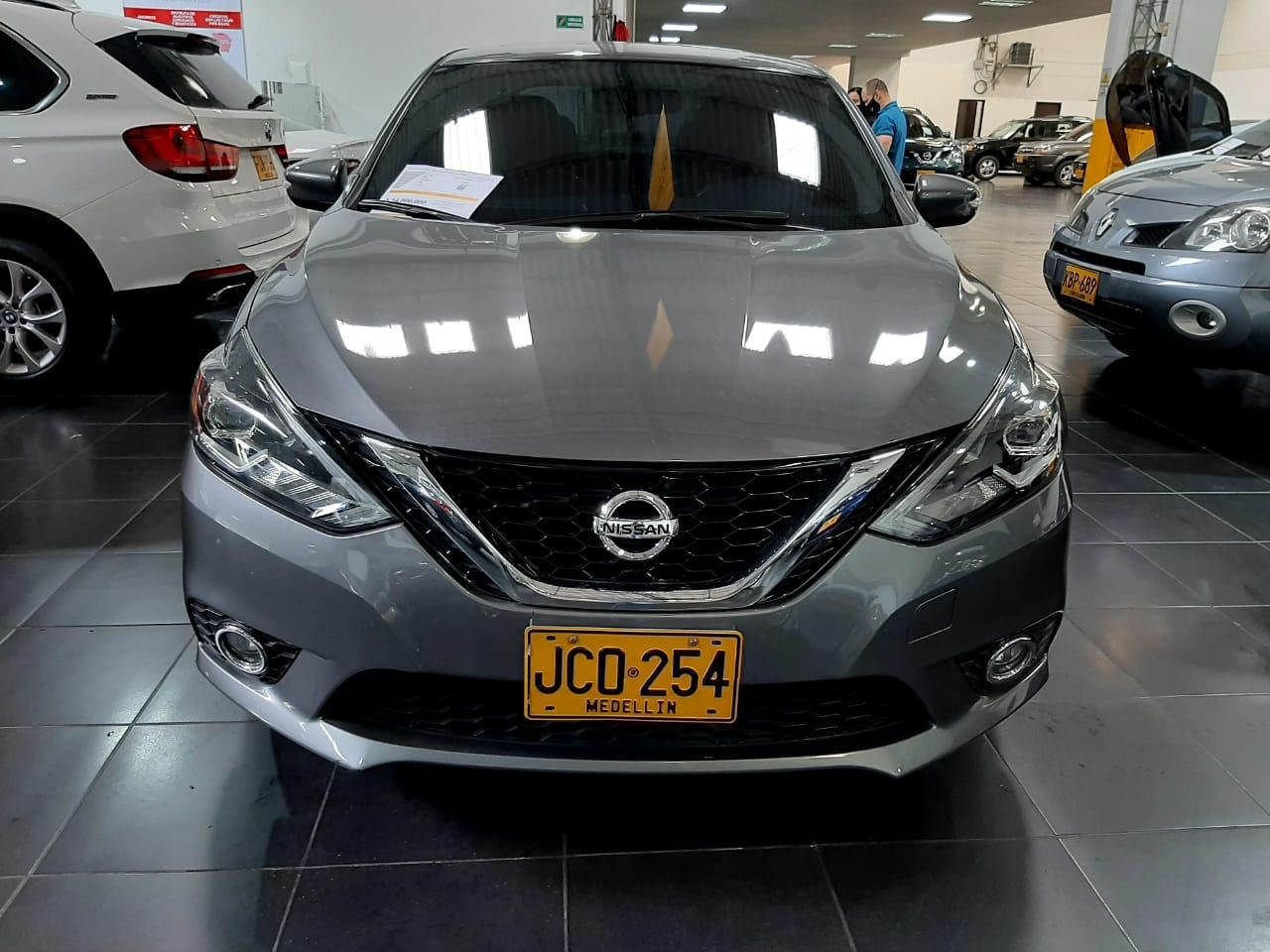 Nissan-Sentra-01473149-1