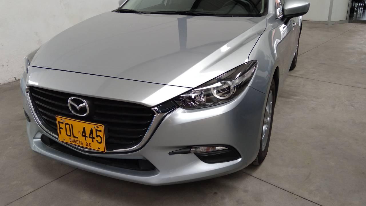 Mazda-3-Grand-Touring-Sedan-01510173-1