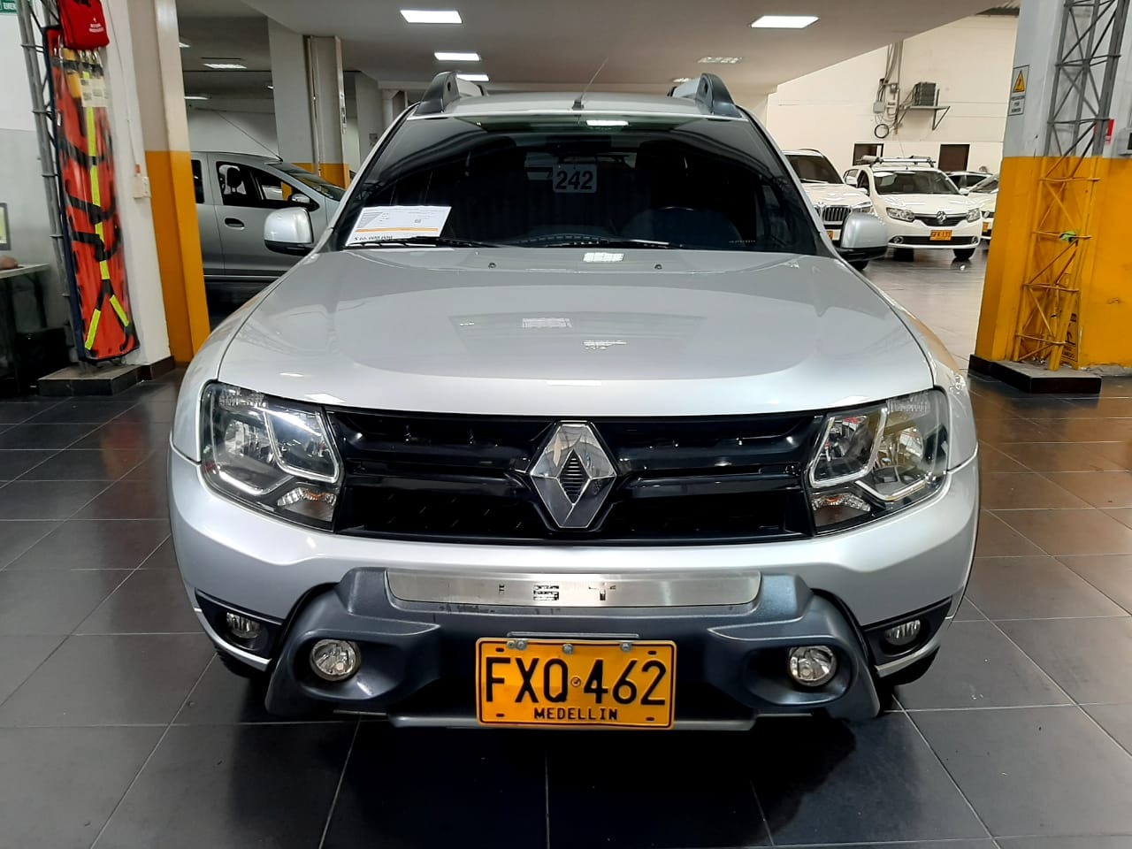 Renault-Duster-01497737-1
