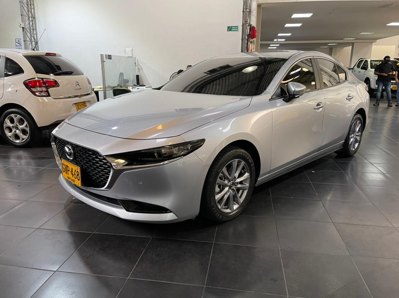Mazda-3-Touring-05138729-1