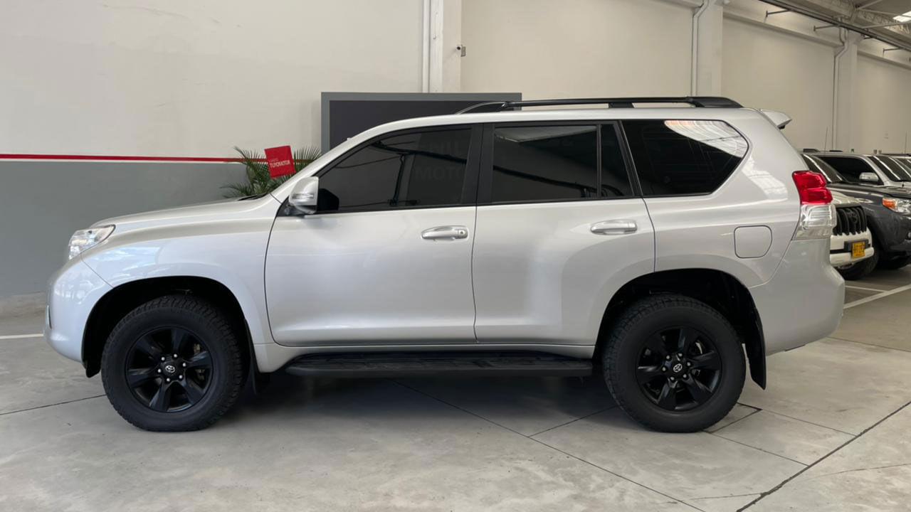 Toyota-Prado-Txl-02103134-1