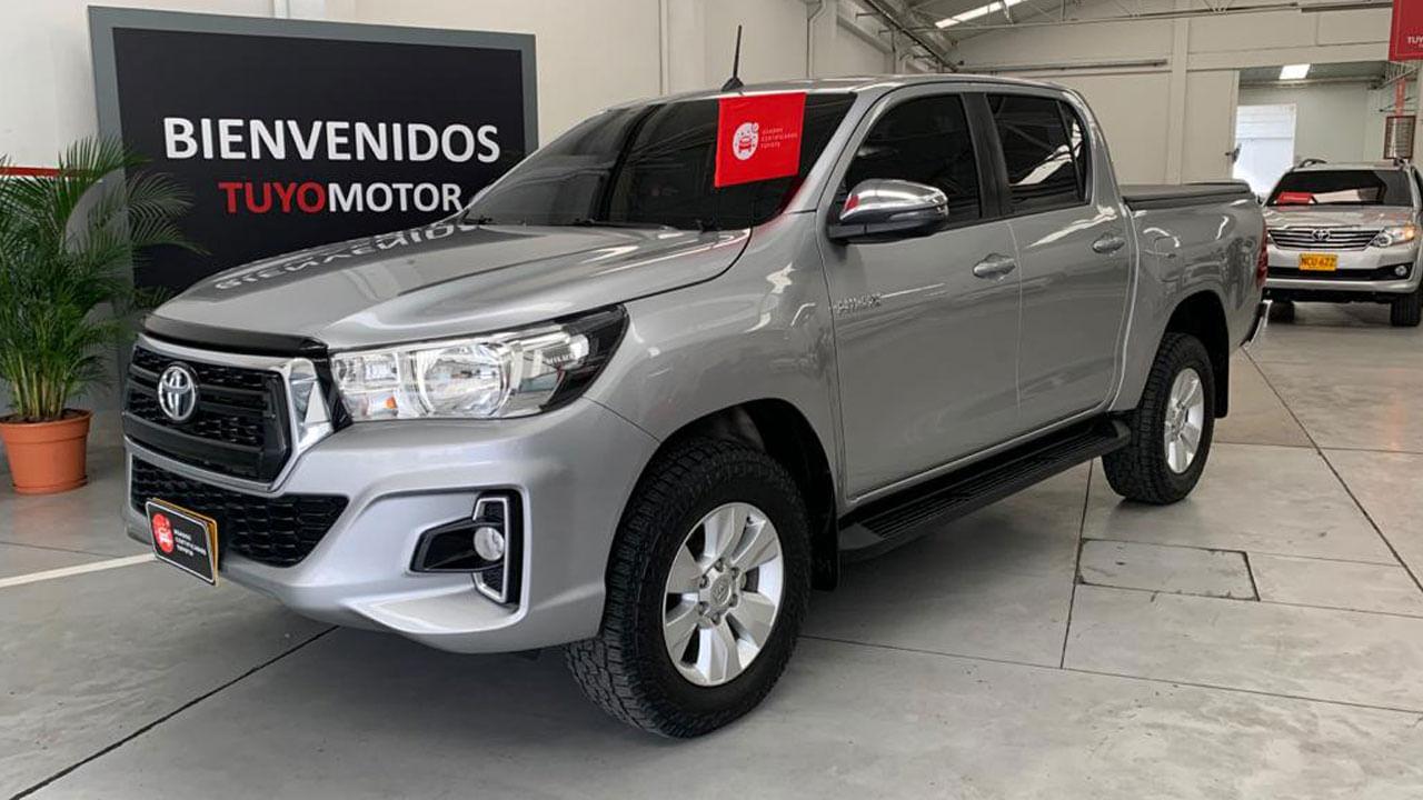 Toyota-Hilux-02154397-1
