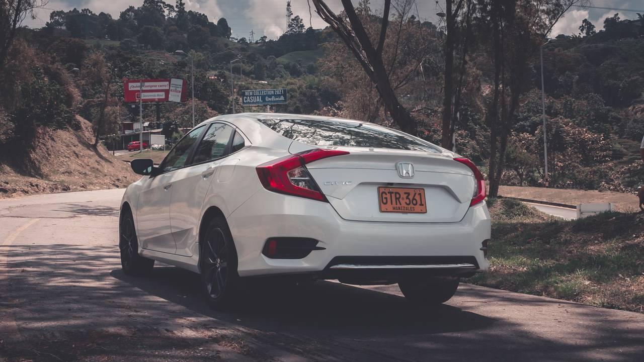Honda-Civic-02499889-1