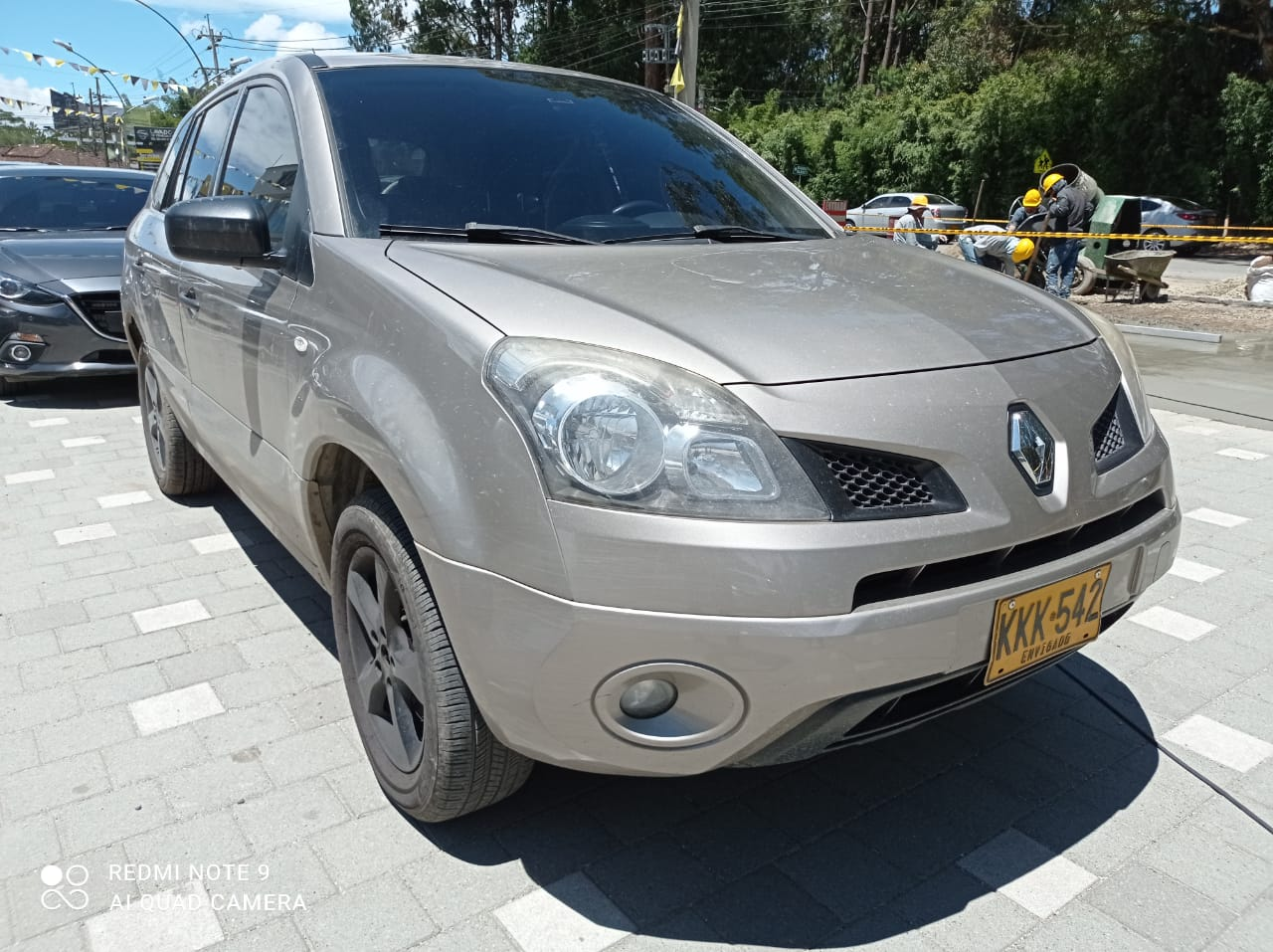 Renault-Koleos-01485413-1