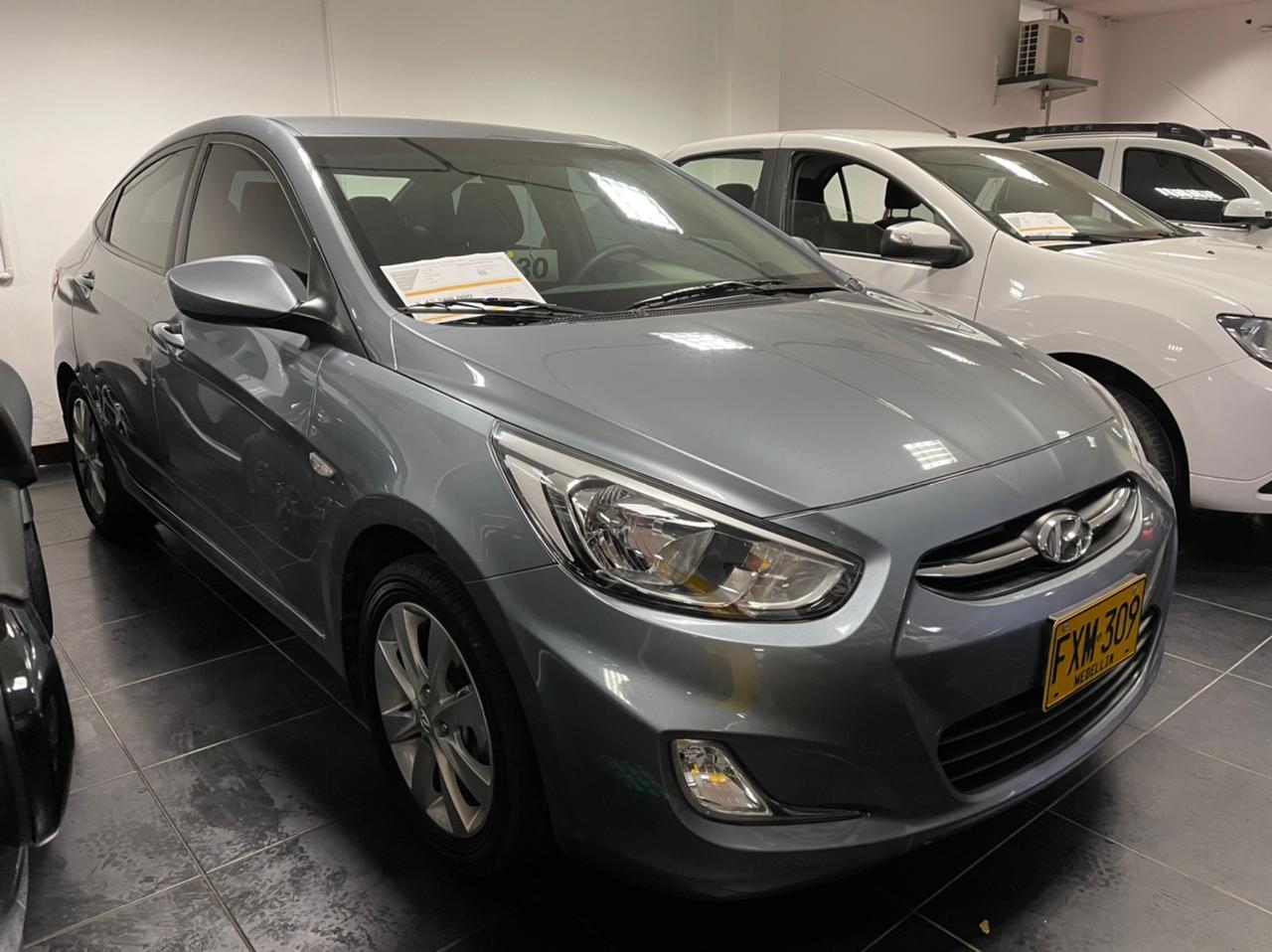 Hyundai-Accent-01442180-1