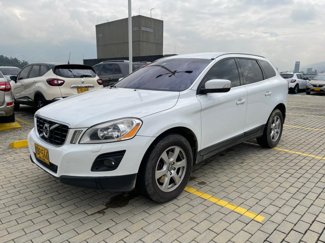 Volvo-xc60-01488724-1