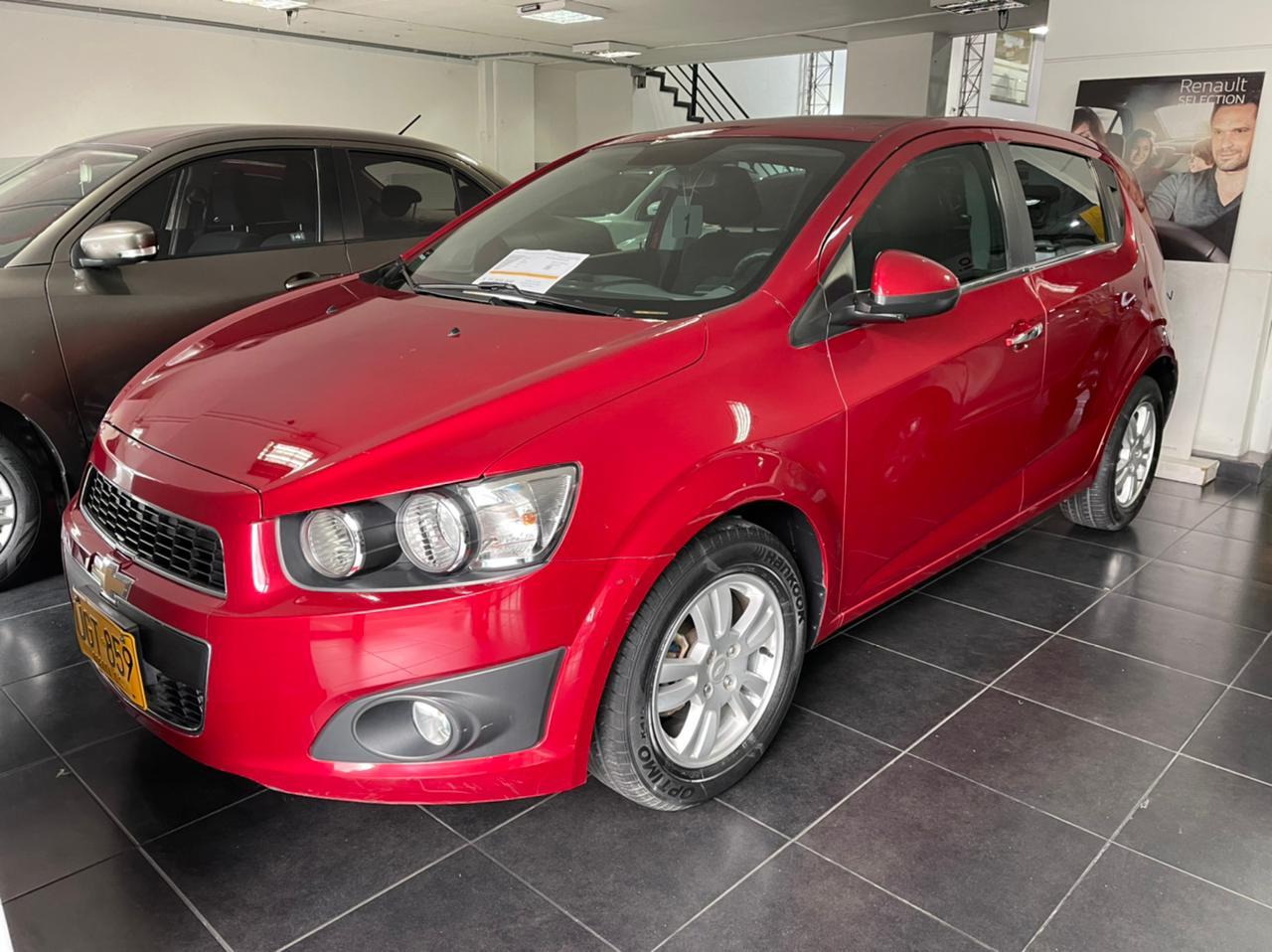 Chevrolet-Sonic-Lt-01482274-1