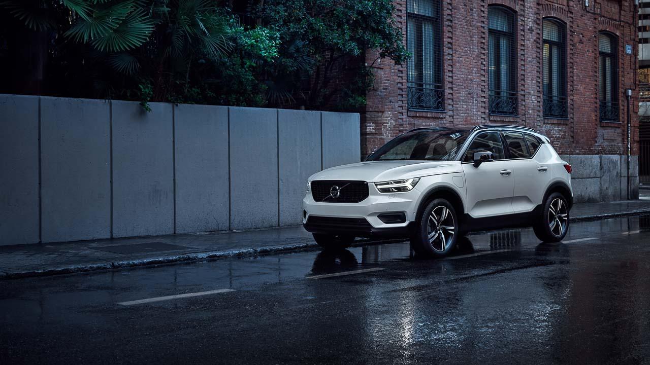 Volvo-Xc40-T4-Momentum-07954523-1